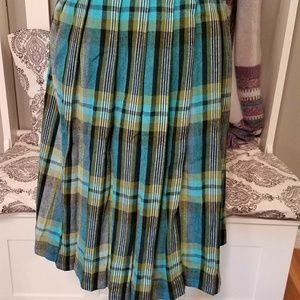 Vintage 1960s Plaid pleated skirt